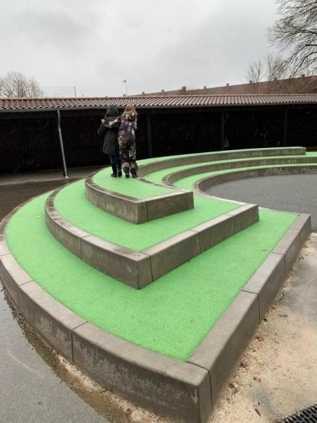 betoniniai gaminiai vaiku zaidimu aikstelems
