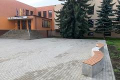 betono suoliukas su wpc lentomis mokykloms