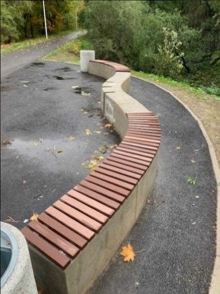 betoninis suoliukas su wpc medzio plastiko lentomis