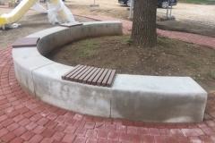 Liejamas betoninis suoliukas
