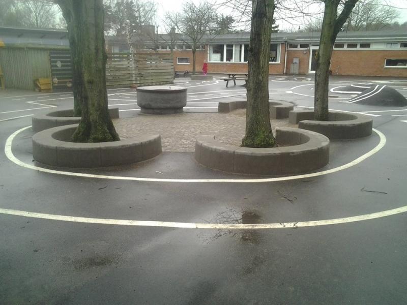 Betoformos betonines sienelės medžių atskyrimams formuoti