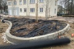 lenktos formos betonines klombos
