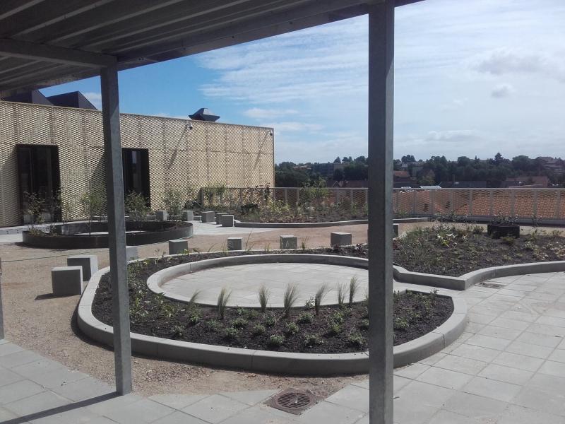 betoniniai borteliai atribojimai klomboms ir gelynams