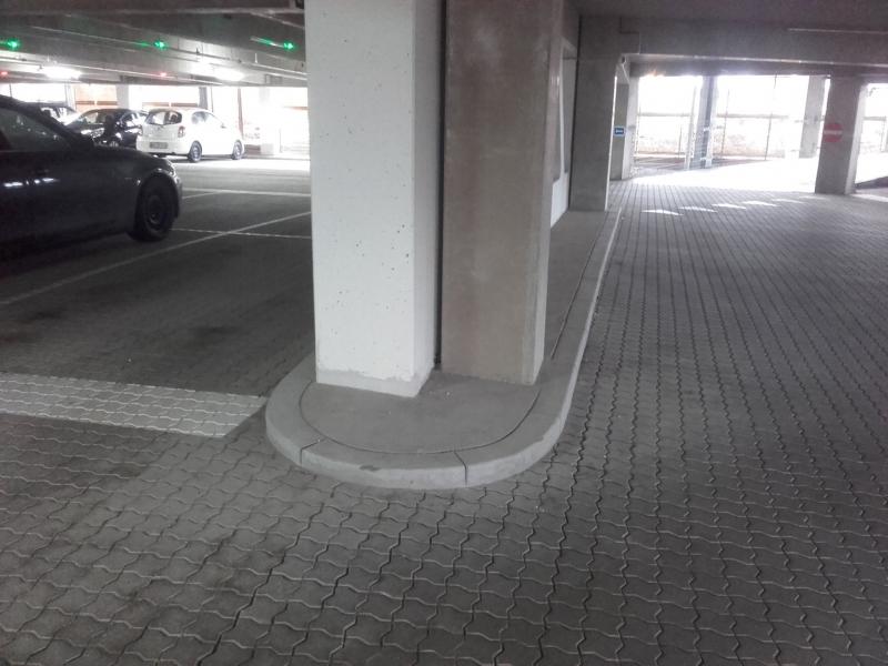 borteliai parkinge 1