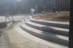betoniniai laiptai miesto erdvems