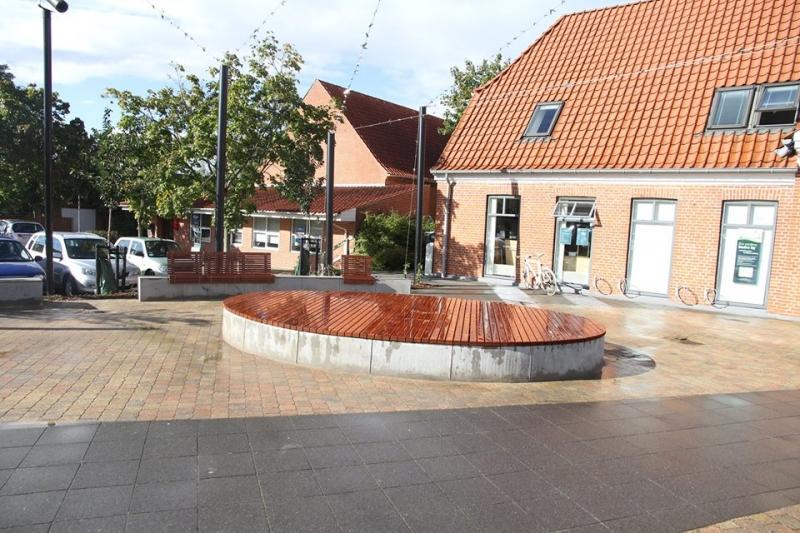 Betoformos betoniniai suoliukai miestui