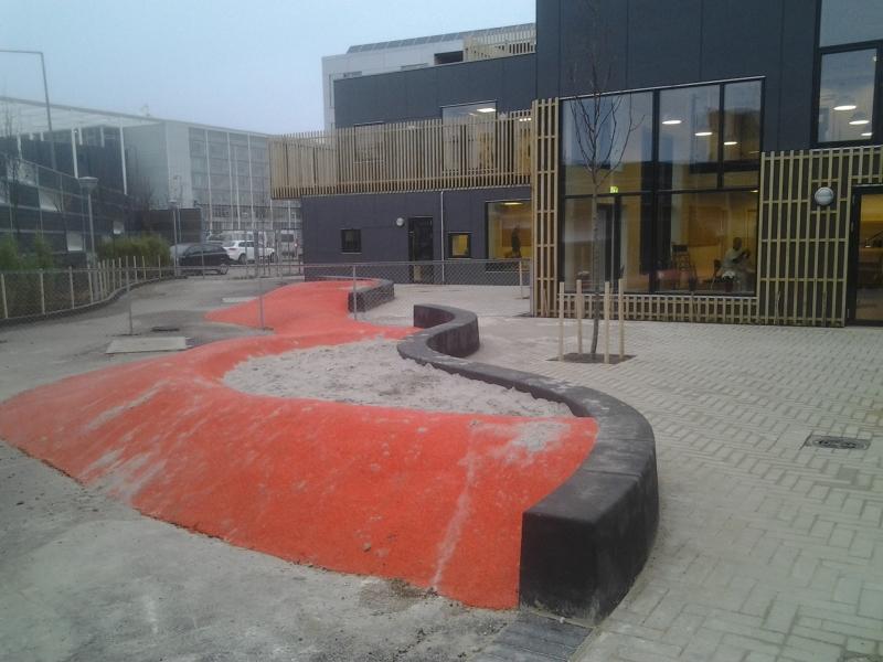 Betoformos lenktos betoninės sienelės