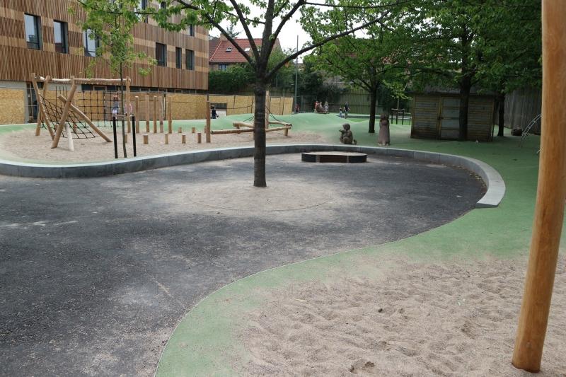 betoniniai apipavidalinimai vaiku zaidimu aikstei