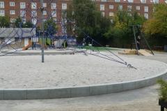 betoniniai borteliai bordiurai žaidimų aikštelėje